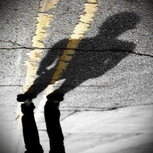 Resultado de imagem para sombra de homem